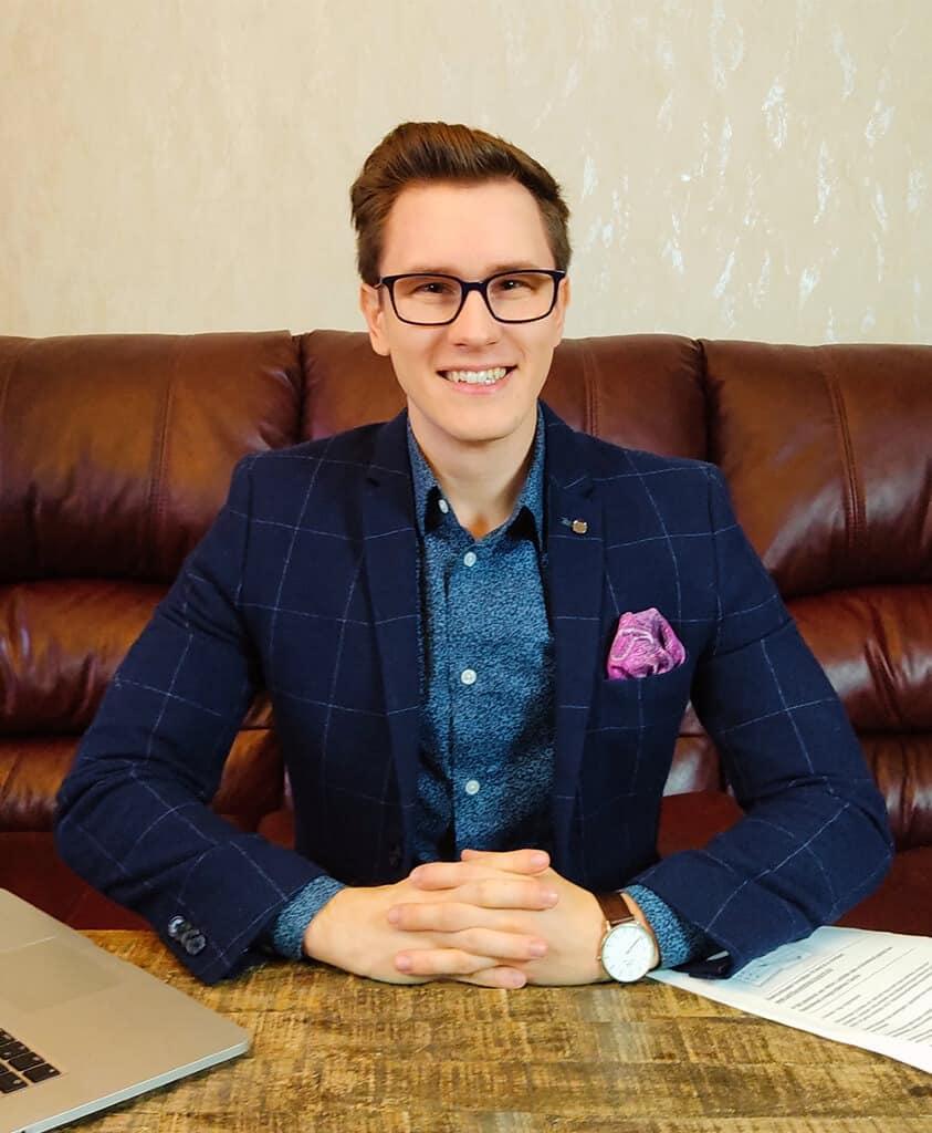 Asztalos Péter weblapmentor online marketing szakértő weboldal készítés